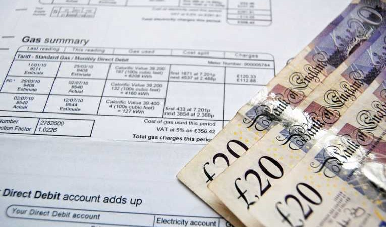 Gas bill and £20 notes